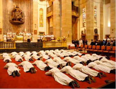 Foto d'una cerimònia d'ordenació